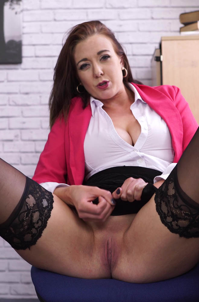 Sapphire Office Stress Relief - Wanking and Shaved Pussy
